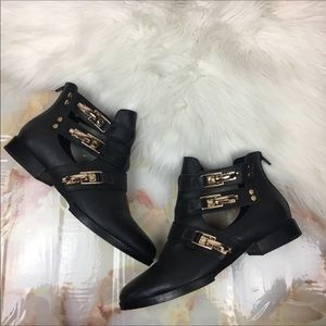 Modern Vice | Leather Buckle Ankle Boot